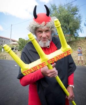 El Diablo who is following the Tour de France until the end