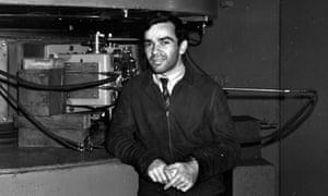martin kamen in a science lab in 1939