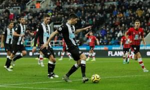 Federico Fernández slides home Newcastle's late winner against Southampton.
