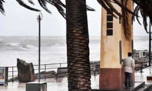 Man shelters from South Australian storm