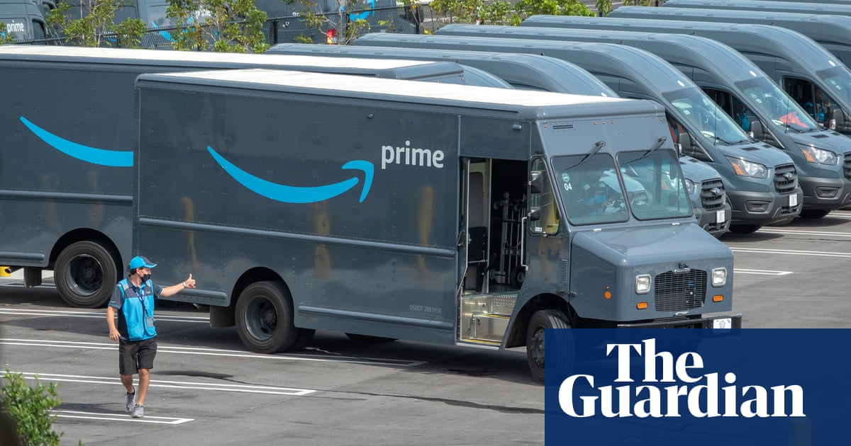 Amazon offers to pay college fees of 750,000 frontline US workers