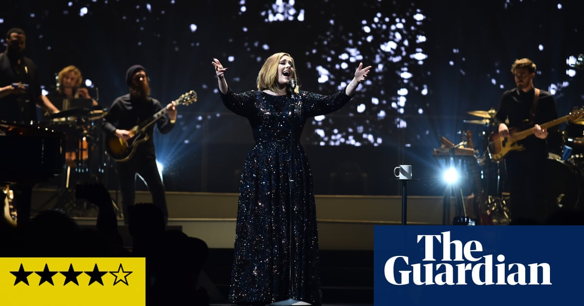 Adele review – a lesson in control from the end of the pier