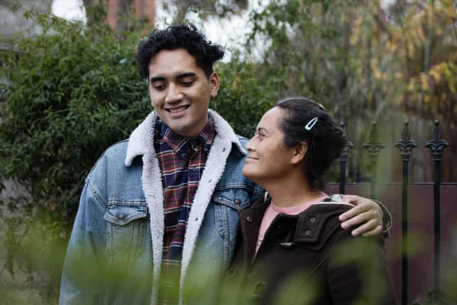 Loa Niumeitolu and her son, Nikolasi Saafi in Berkeley.