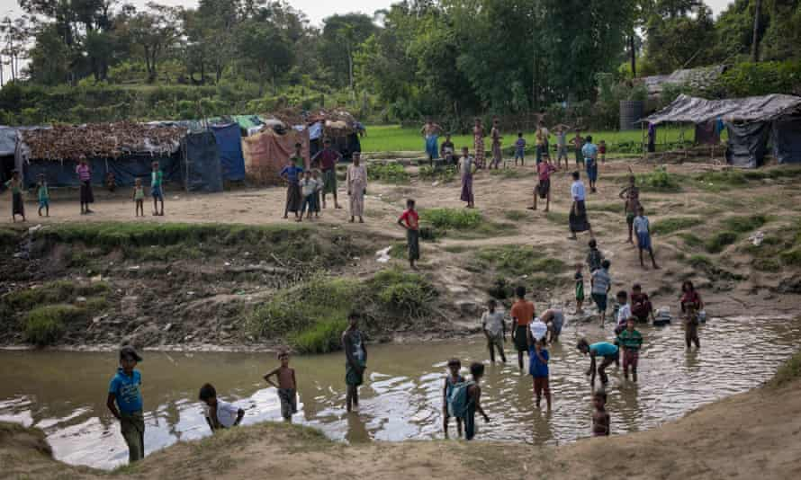 Thousands of Rohingya refugees are stuck in no man's land between Myanmar and Bangladesh.