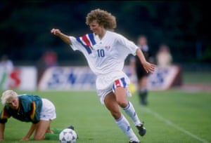 Michelle Akers (center) used her speed and height to deadly effect.