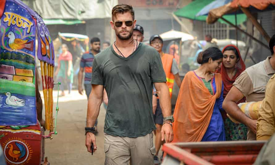 Chris Hemsworth in Extraction.