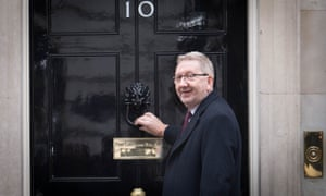 Len McCluskey of Unite leaves 10 Downing Street, London, after talks with the government on Brexit on 24 January 2019.