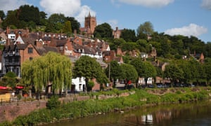 Bridgnorth sits astride the River Severn