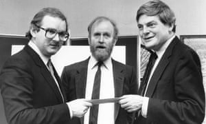 Webb, centre, with Peter Preston, right, presenting the 1985 Guardian fiction award to Peter Ackroyd.