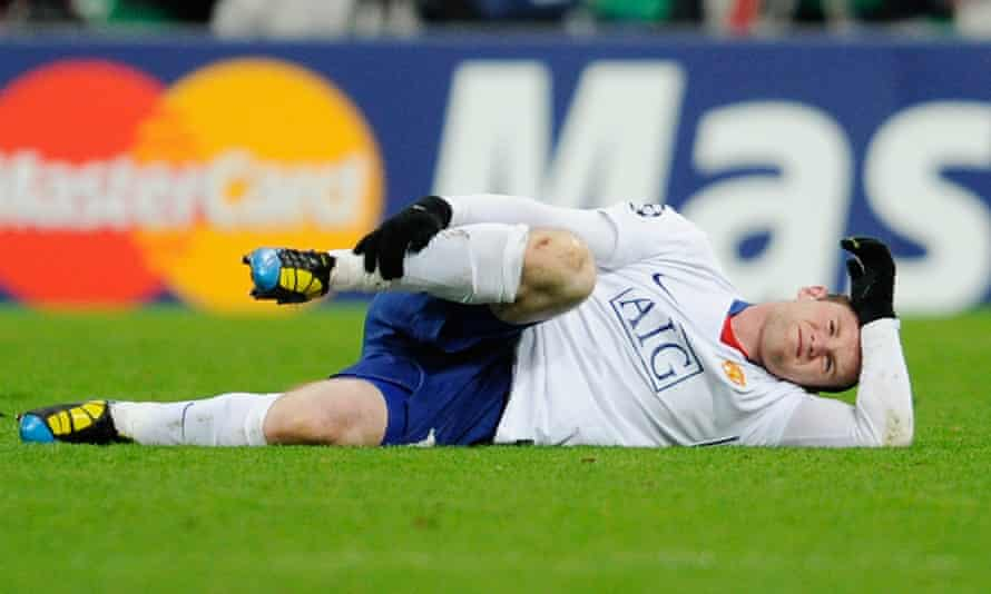 Wayne Rooney injured right ankle ligaments at Bayern Munich in 2010