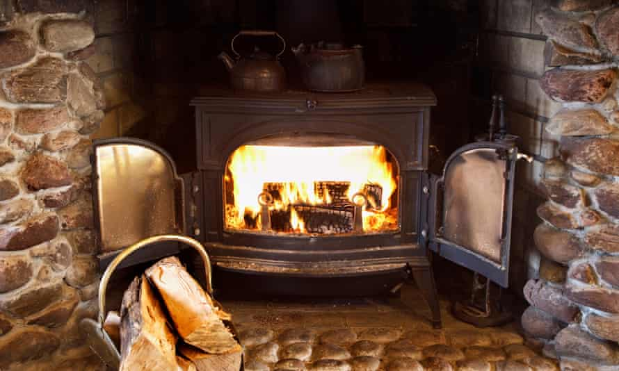 Wood burning at home now biggest cause of UK particle pollution