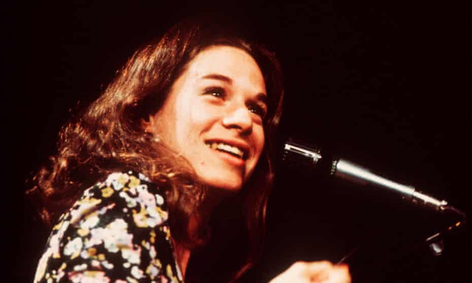 Carole King performing in 1972, the year after Tapestry was released.