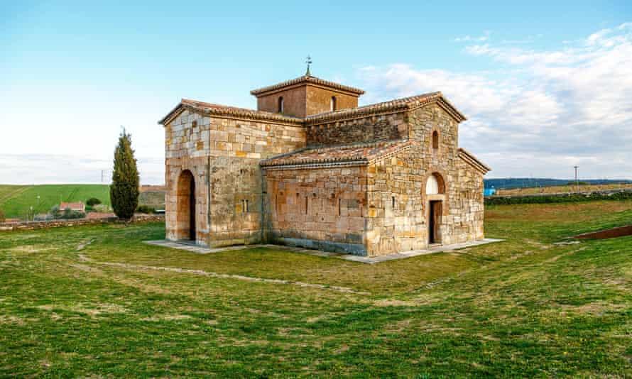 Iglesia de San Pedro de la Nave, cerca de Zamora.