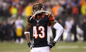 The Bengals lost to Pittsburgh in last season's playoffs, meaning Lewis's 0-7 record is unmatched in NFL history.