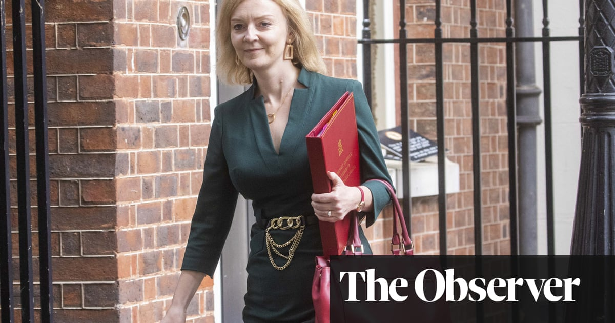 Baptism of fire as Liz Truss heads to US amid submarine row