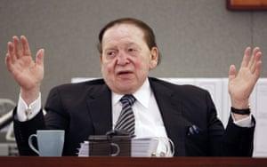 Sheldon Adelson testifies in court in Las Vegas.