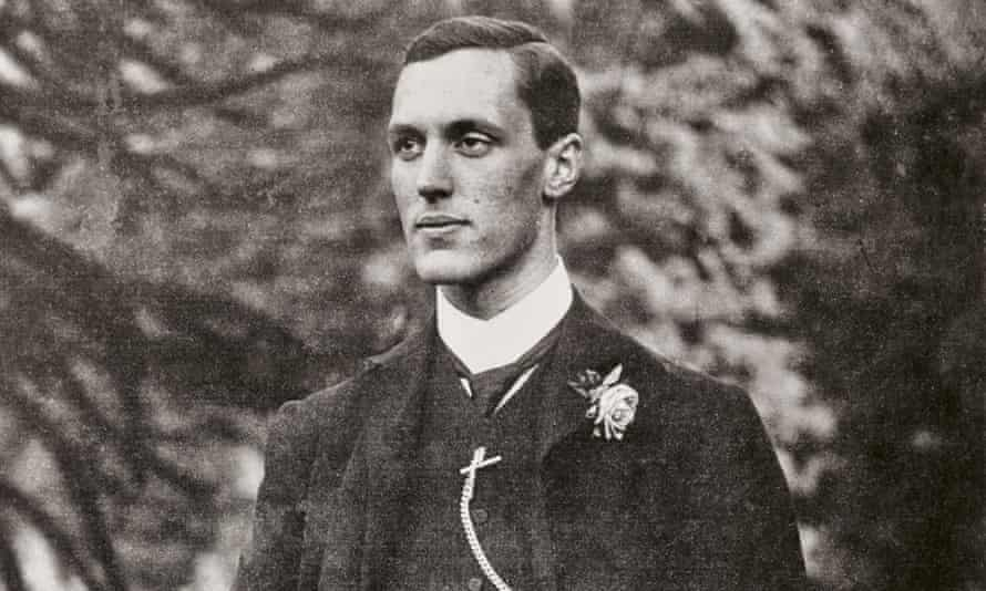 John Spedan Lewis was handed over managerial control of Peter Jones by his father in 1914.