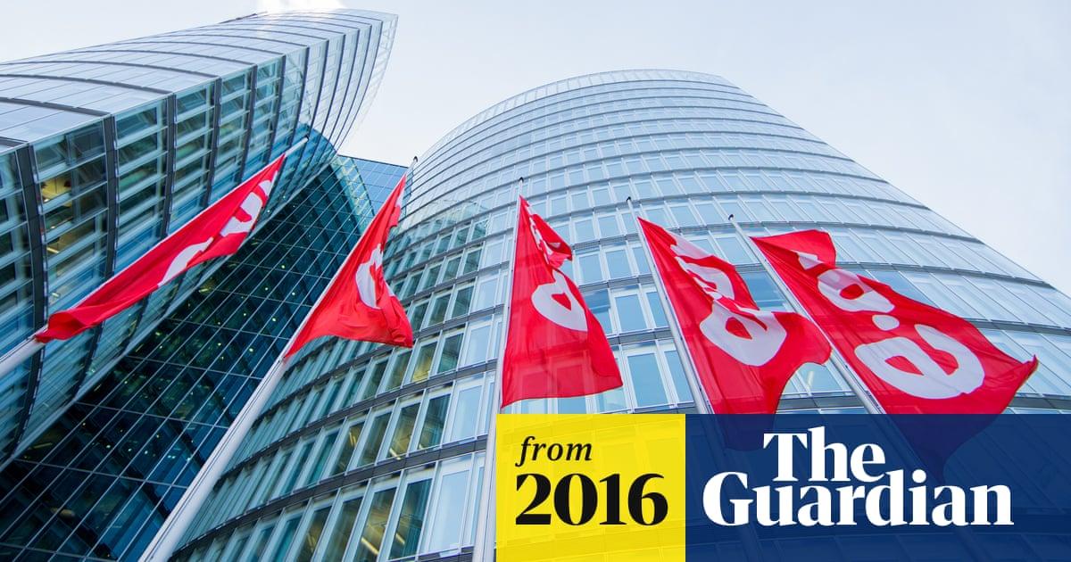 E ON blames losses on power price slump and German renewable