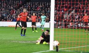 Alex Iwobi cross/shot deceived Rennes goalkeeper Tomas Koubek to give Arsenal an early lead.