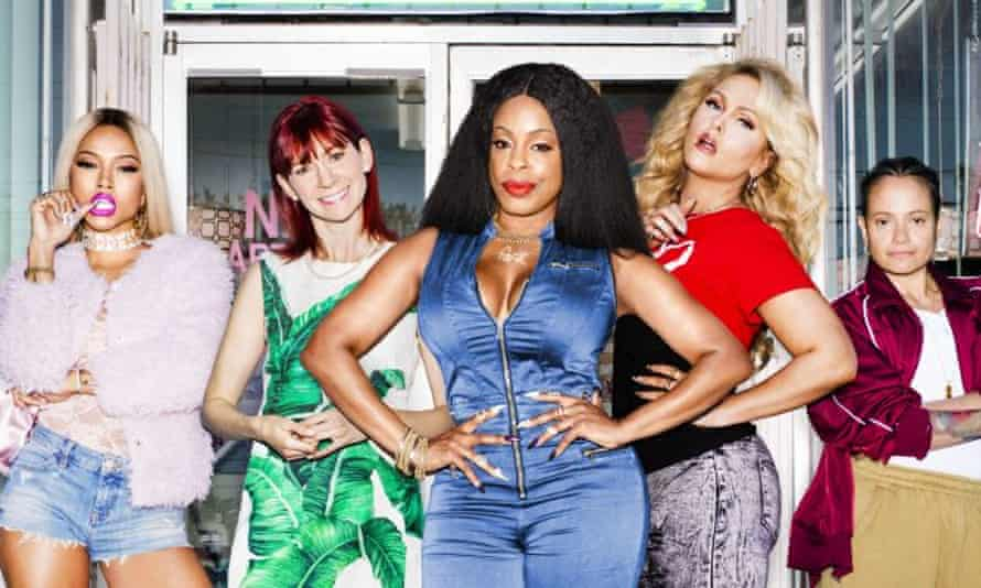 Niecy Nash and the women of Claws.