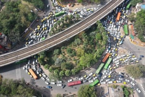A congested roundabout in Delhi, India