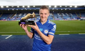 Jamie Vardy holding the Golden Boot in the new Leicester kit