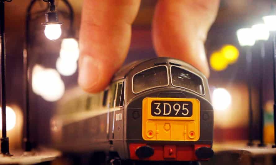 A Hornby Class 29 model train
