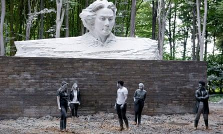 Song Ta's giant fibreglass bust of Mao.