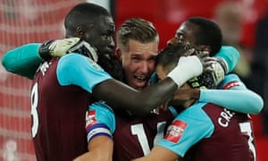 West Ham United's Adrian and team mates celebrate after beating Spurs 2-3.