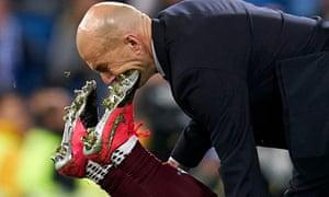 Zinedine Zidane is accidentally caught in the face by Joseph Aidoo.