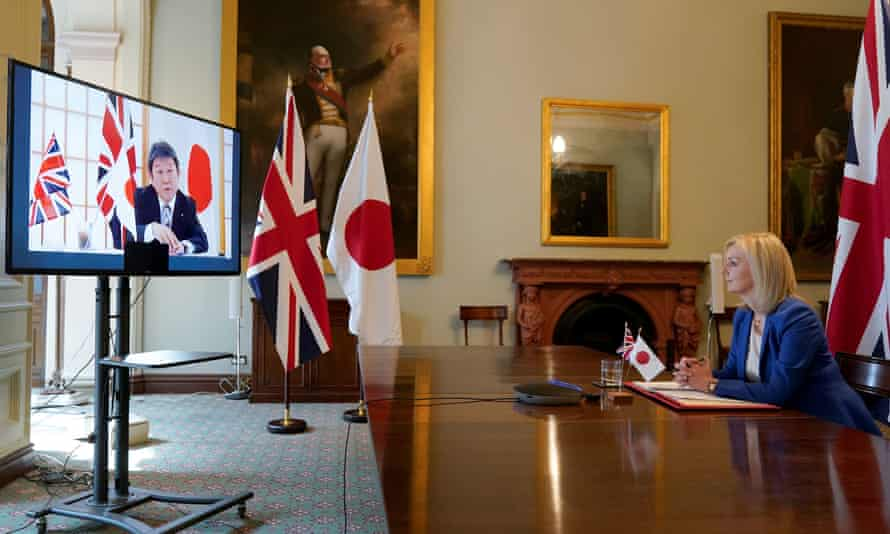 Liz Truss at the Department for International Trade speaking to Japan's minister for foreign affairs, Toshimitsu Motegi, via video link.