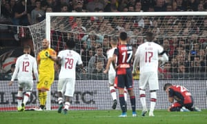 Pepe Reina (second left) celebrates his late penalty save from Lasse Schöne.