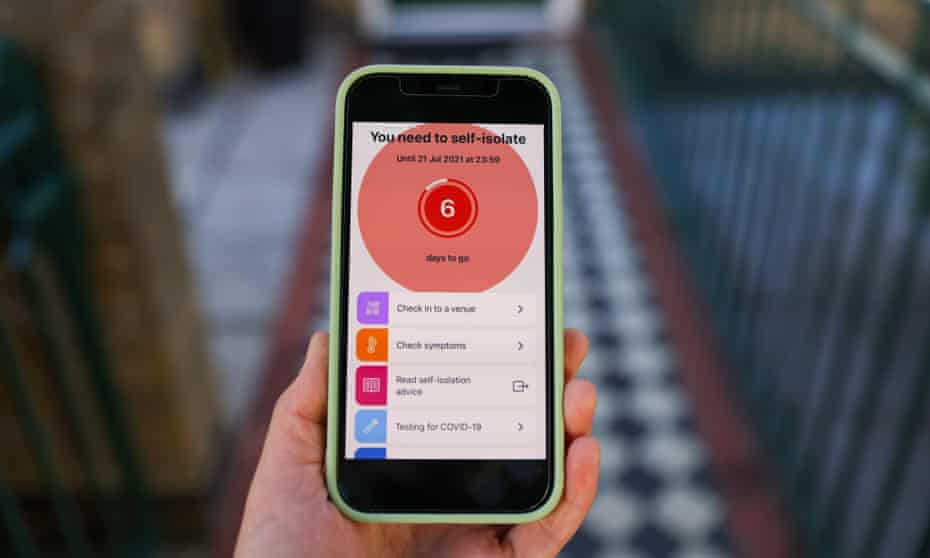"""A """"You need to self-isolate screen"""" on the NHS Covid-19 app on a smartphone"""