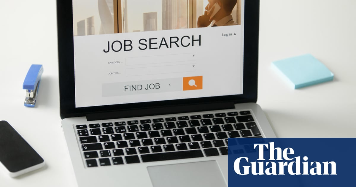 UK jobseekers are offered six months of free broadband