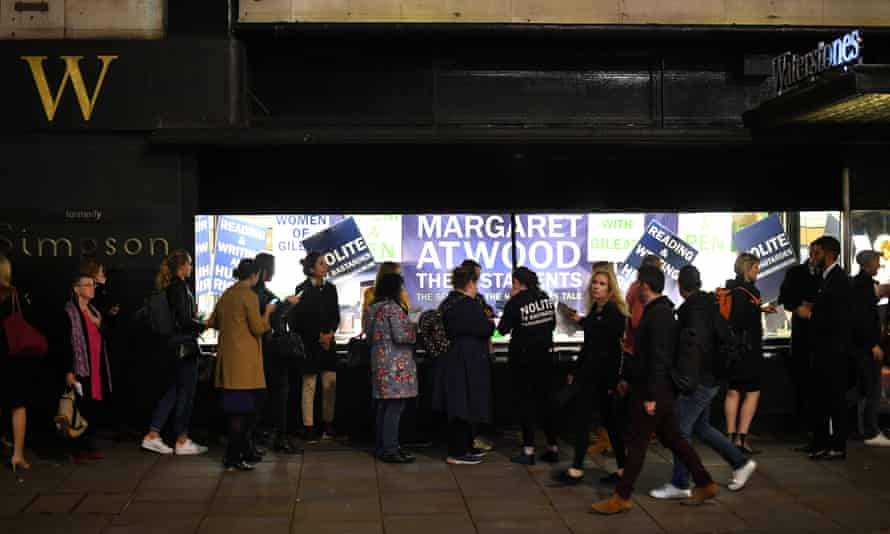 People queue to get a copy of Atwood's The Testaments outside Waterstones Piccadilly.