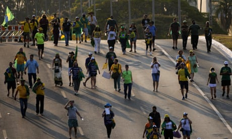 Apoiadores do presidente Jair Bolsonaro em frente ao Palácio do Planalto antes dos protestos do Dia da Independência em Brasília.