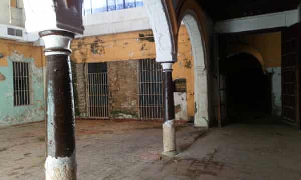 """""""Este edificio ha sobrevivido muchos años porque siempre ha estado en uso, incluso como bar"""" ... Miguel Angel de Dios."""