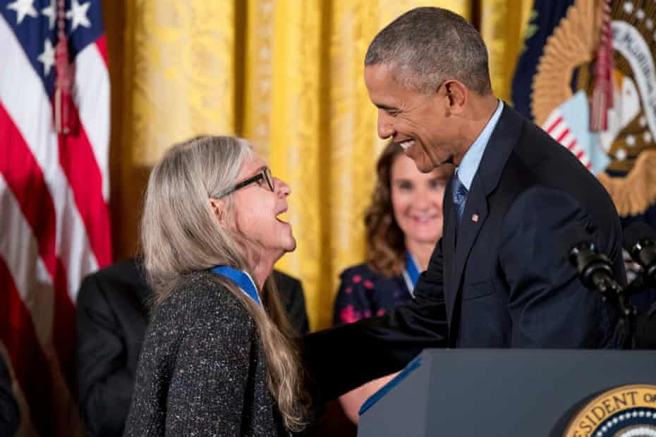 margaret hamilton is awarded the presidential medal of freedom by barack obama in 2016