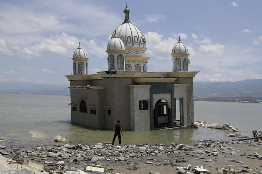 A mosque marooned after the earthquake and tsunami in Palu.