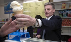Bill English serves ice creams in Pokeno, on the last day of the campaign.