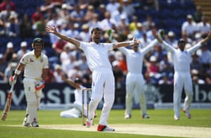 Is Warner out lbw here? England and Anderson think so, the umpire thinks so, the ball pitched way outside leg. Warner is reprieved!