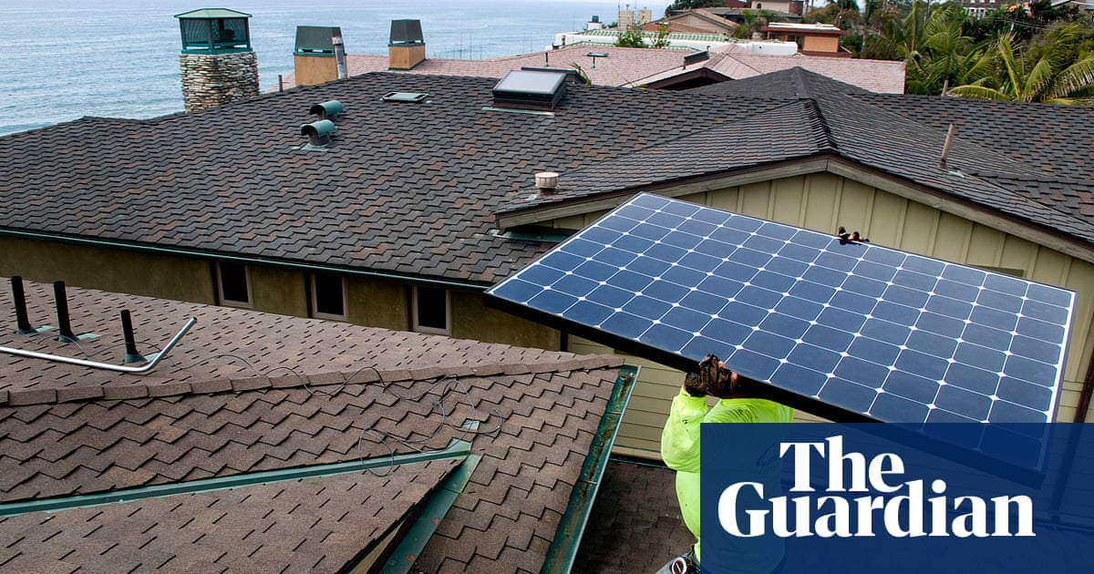 3bf5d3efa4 US solar industry now employs more workers than oil and gas