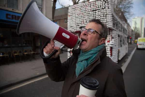 Hugh Fearnley-Whittingstall in his War on Waste documentary, which will feature the Frugalpac cup.
