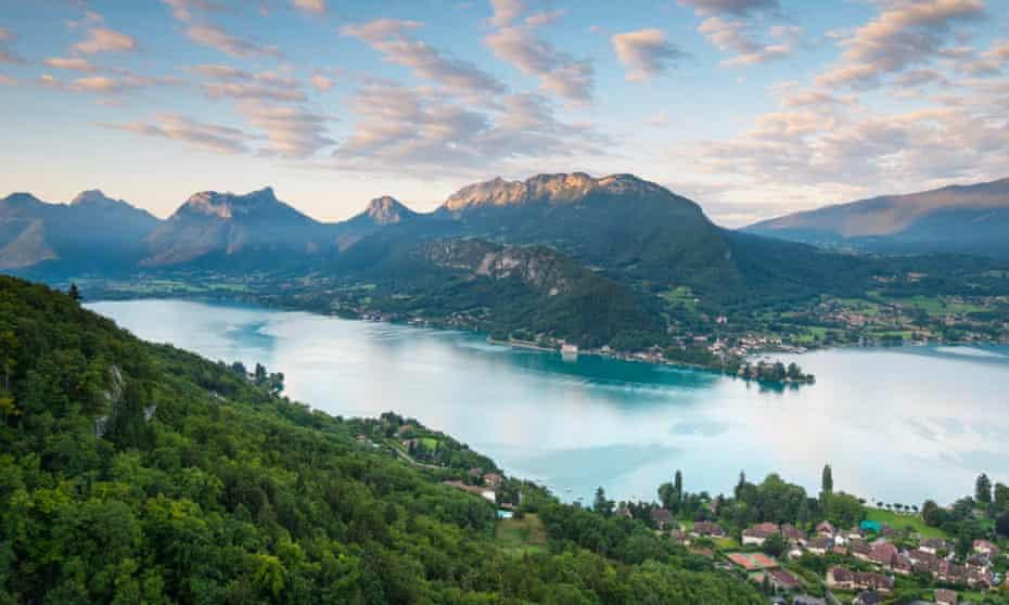 Lake Annecy, Haute-Savoie, Rhone-Alpes, France