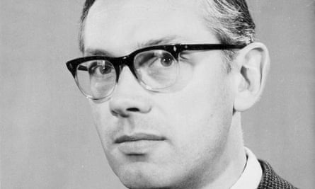 Ken Smith went from technical college to Cambridge University. He won many awards for his work on electron microscopes
