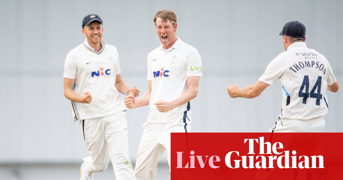 Yorkshire's Patterson and Bess shock Sussex: county cricket – as it happened