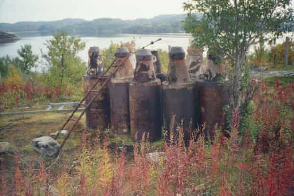 """Spent nuclear fuel stored in so-called """"bottles"""" at an open-air site in Andreyeva Bay"""