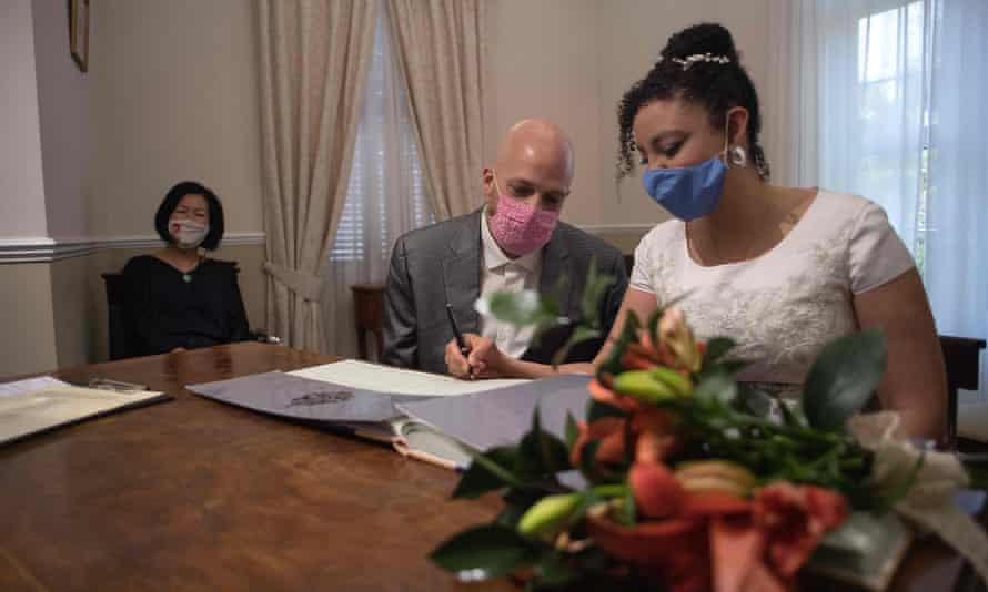 Bruno Miani and Natalia Senna Alves de Lima married at the civil status and registration office in Gibraltar on 24 November.