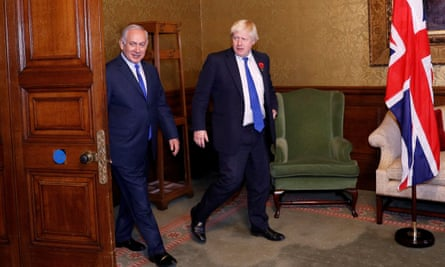 Boris Johnson with Israeli prime minister Benjamin Netanyahu, in London, at a previous meeting in 2017.
