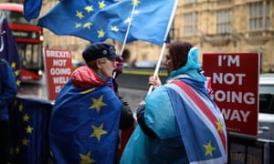 Pro and anti- Brexit demonstrators in front of Parliament